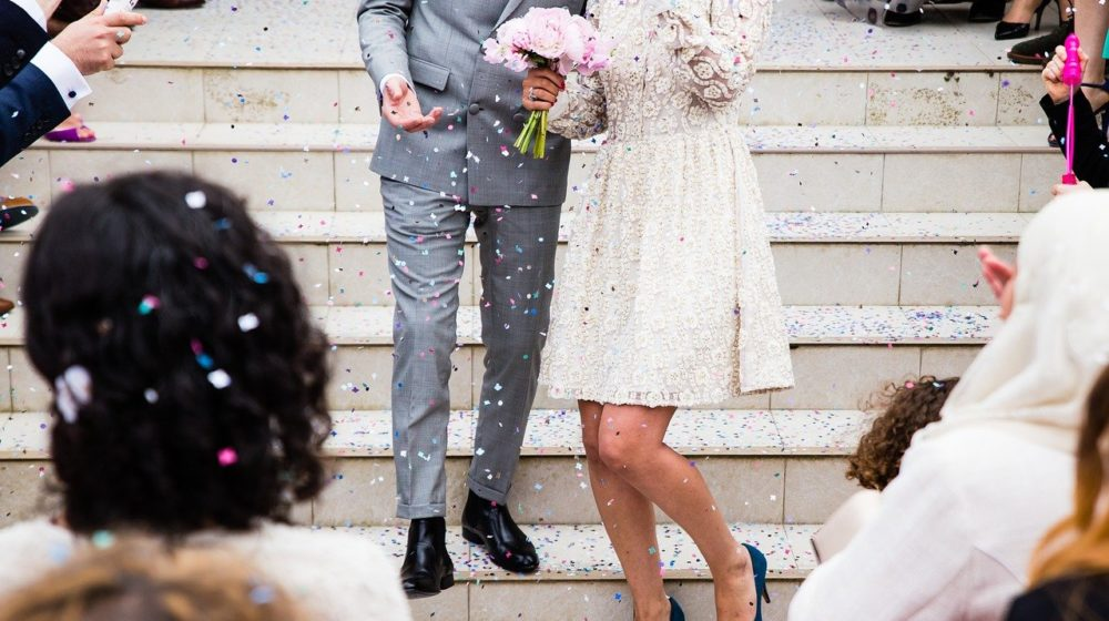 結婚式に腕時計はマナー違反?結婚式に着けていく腕時計の選び方
