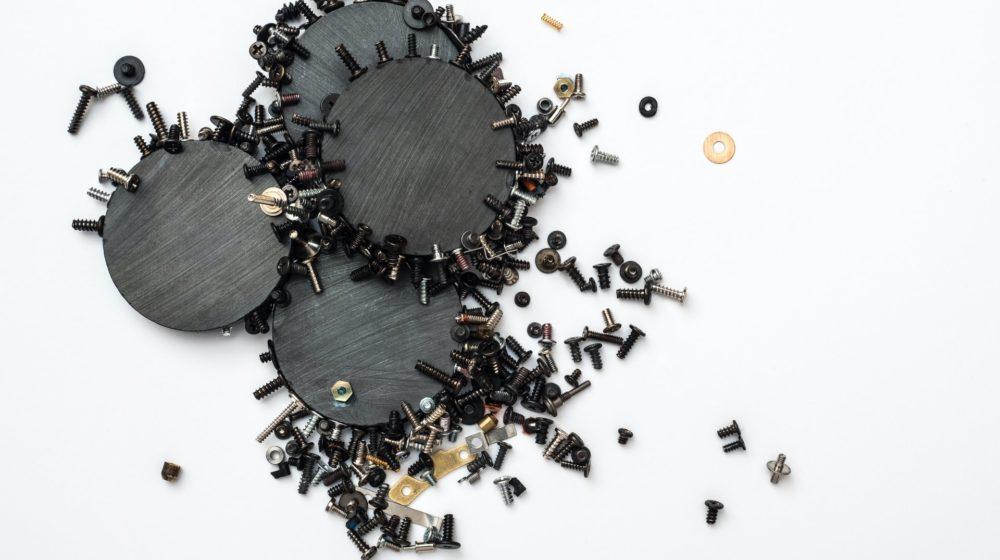 腕時計の磁気抜きとは?磁気帯び、磁気抜きのやり方についてご紹介